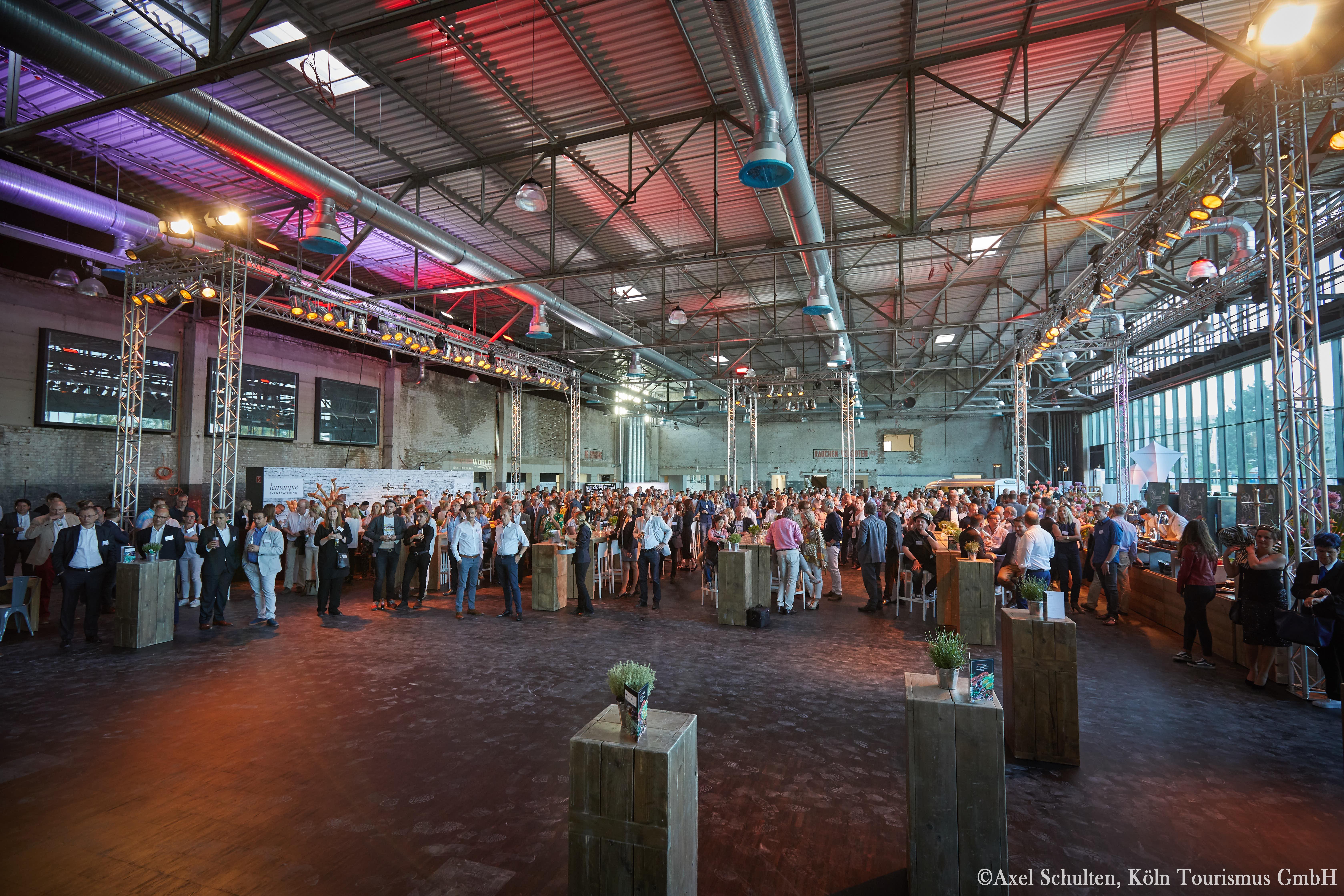 Motorworld Koln Rheinland Feiern Und Tagen In Der Erstklassigen